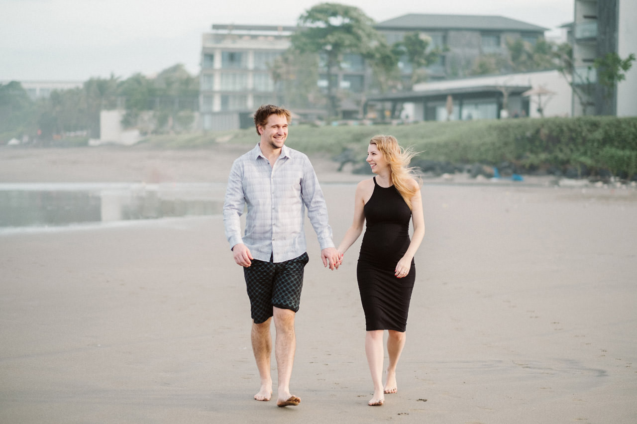 Aaron & Kaylea: Bali Maternity Photo Session 11
