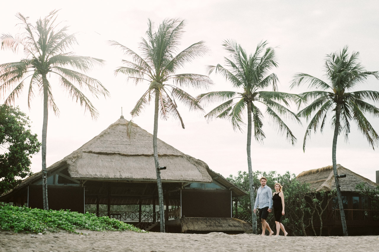 Aaron & Kaylea: Bali Maternity Photo Session 19
