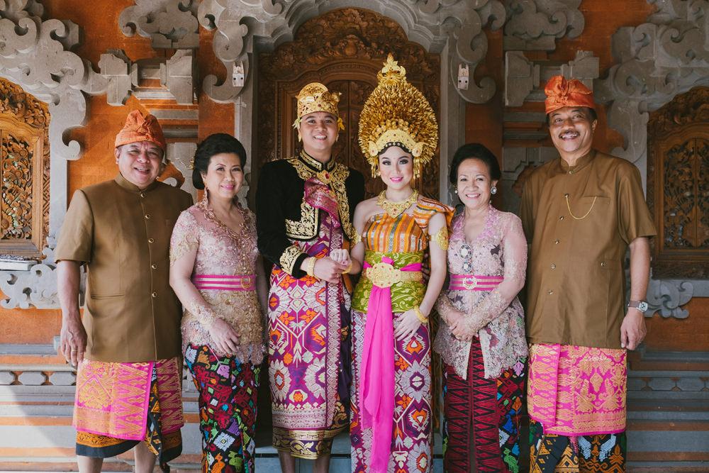 バリ 結婚式 ローカル ウエディング 衣装 ウエディングドレス