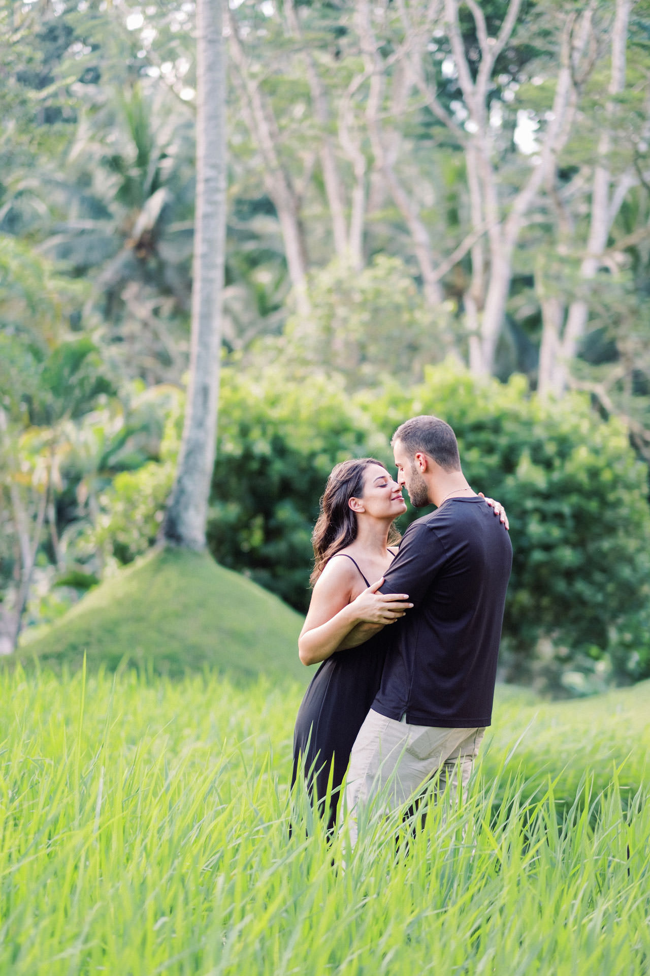 Honeymoon Photo Session at The World's Best Resort 5
