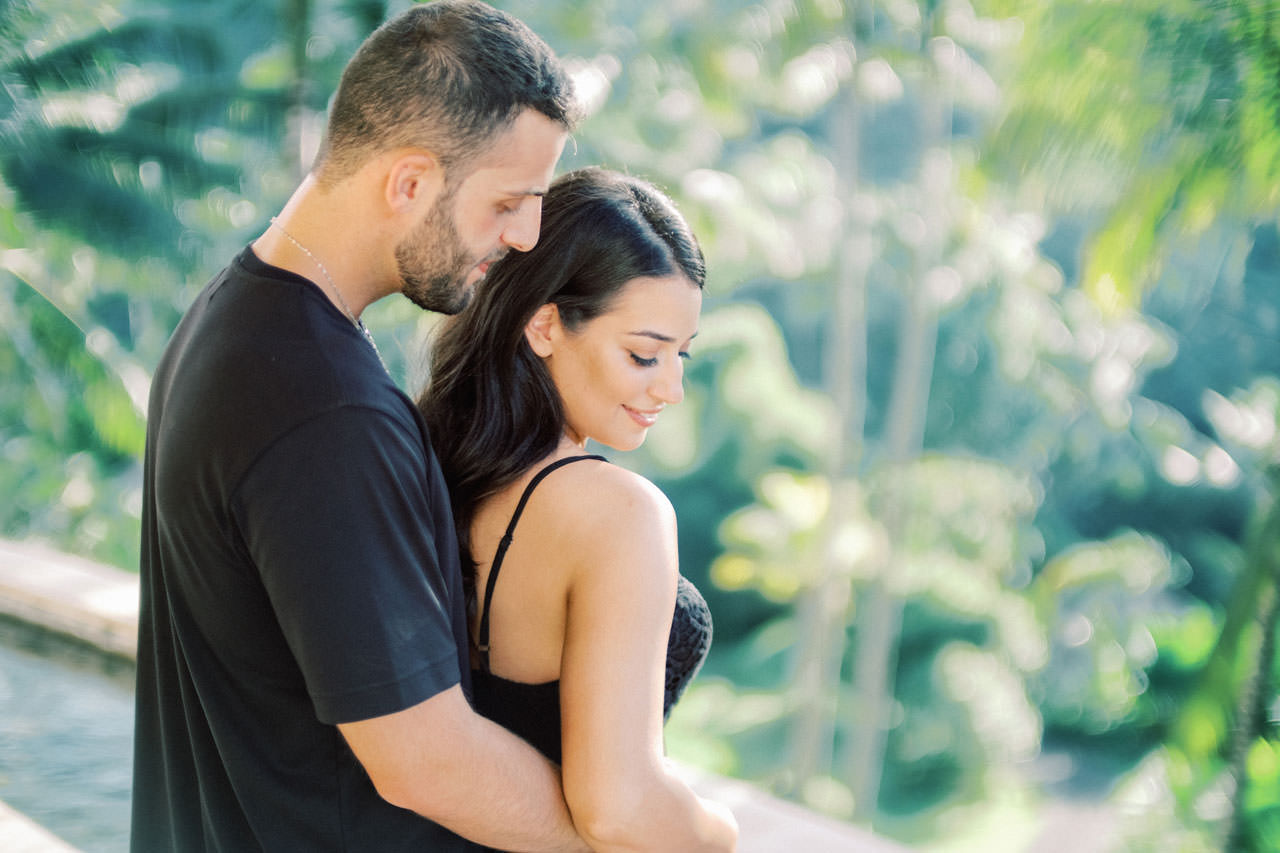 Honeymoon Photo Session at The World's Best Resort 15