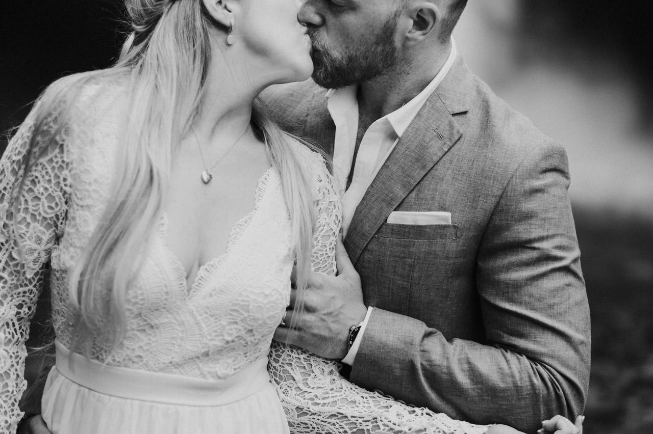 Amy & Rory: Honeymoon Photography at Campuhan Ridge Walk 28