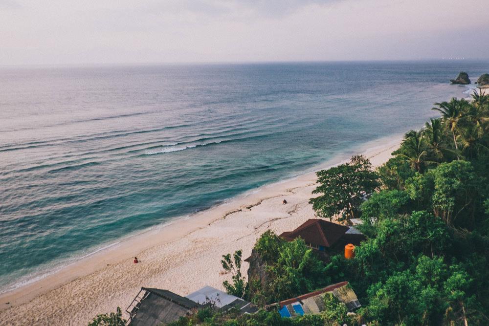 Alain & Sarah: Romantic Honeymoon Photography in Bali 40