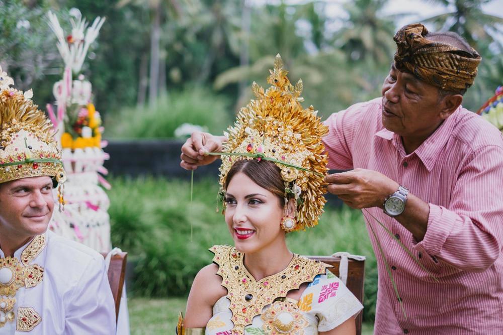 Cliff & Biana Traditional Bali Wedding 34