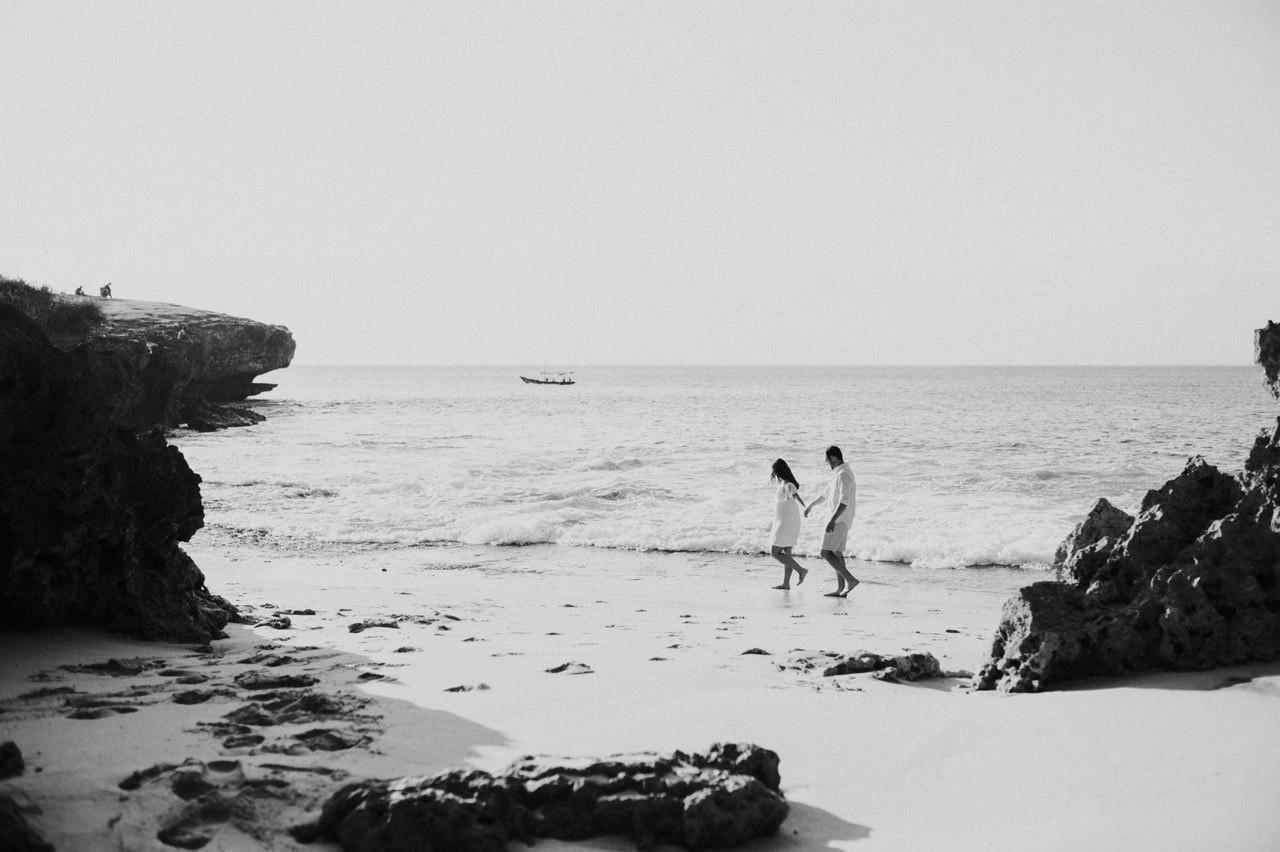 Chris and Megan: Honeymoon Photography at Jimbaran Beach 8
