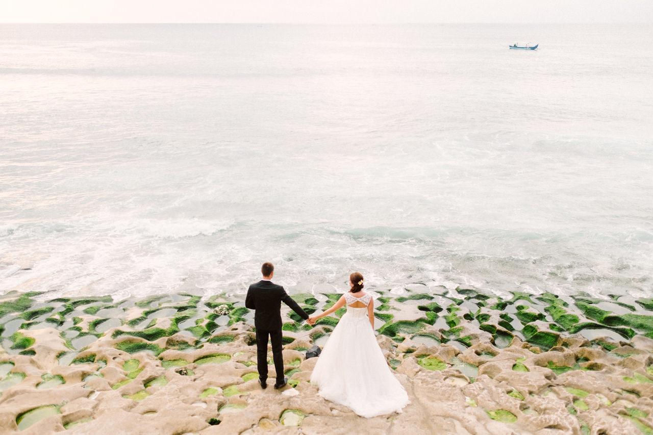 C&R: Honeymoon Bali Photography at Balangan Beach 1