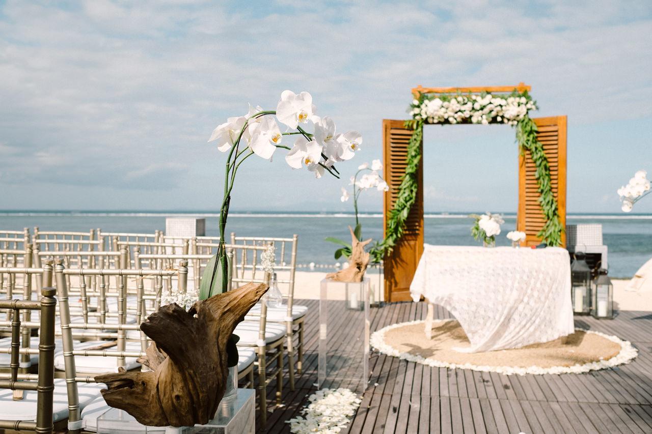 D&A: Bali Wedding Photography at The Royal Santrian 21