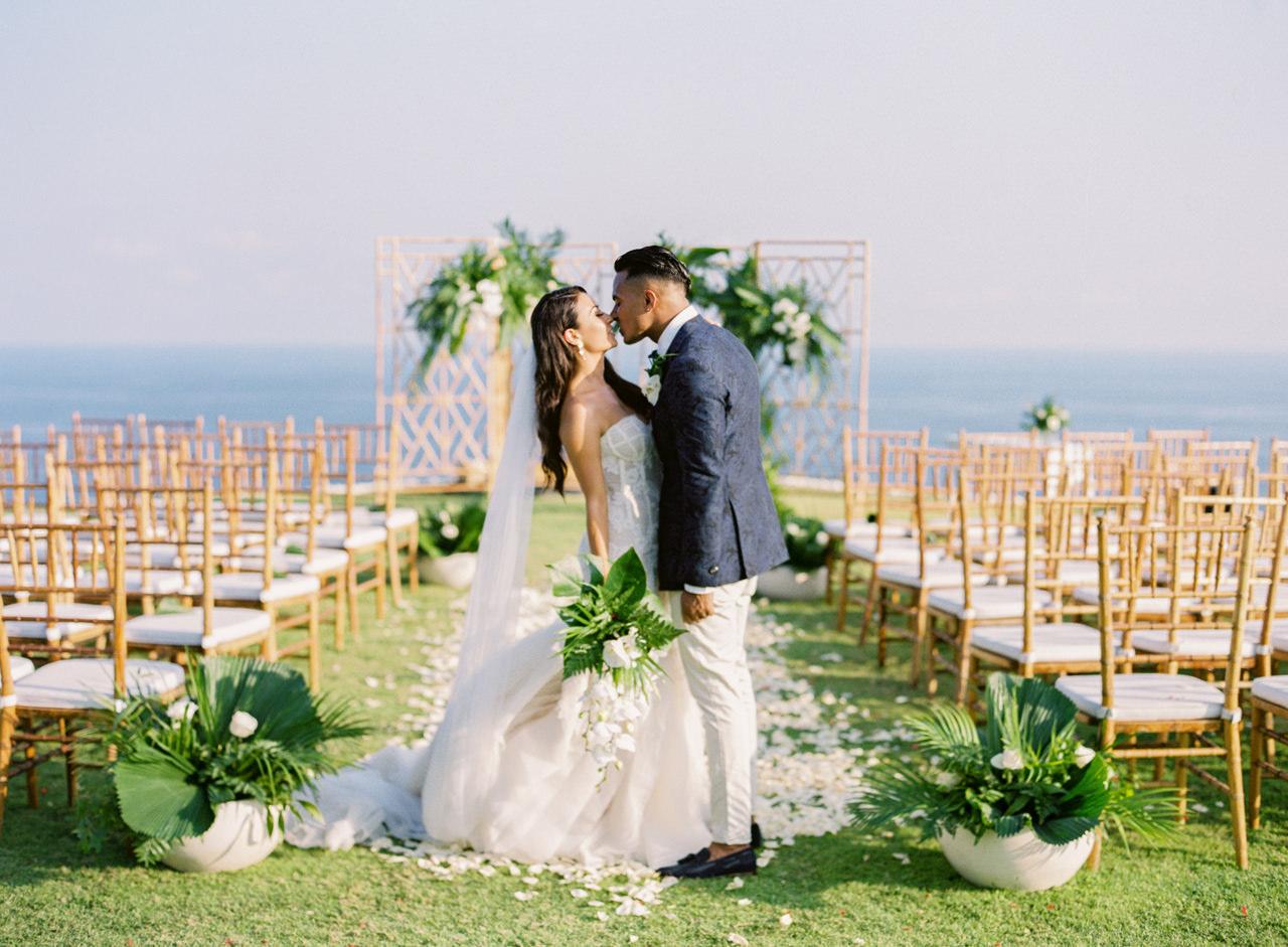 D&A: A Glamorous Villa Karang Putih Bali Wedding 28