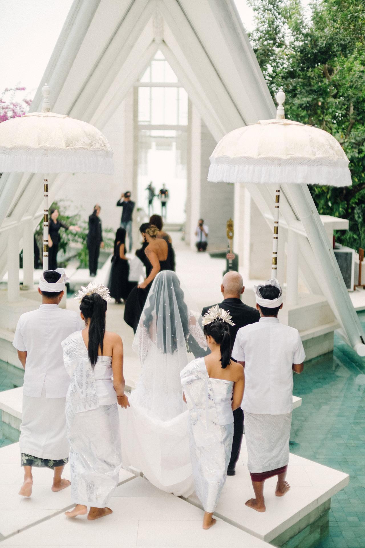 D&R: Luxury Bali Wedding Reception at The Glass House by Tirtha 10