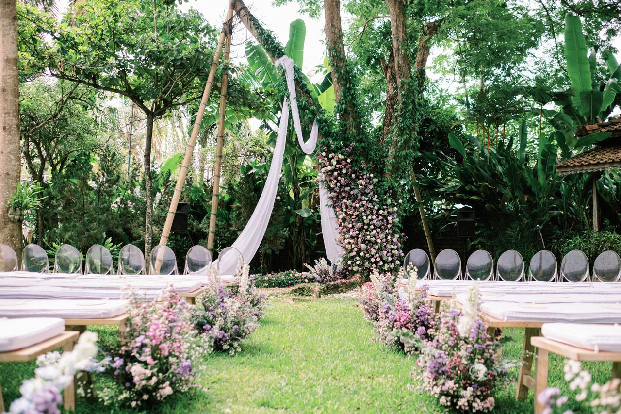 Whimsical Bali Forest Wedding at Puri Nirwana  17
