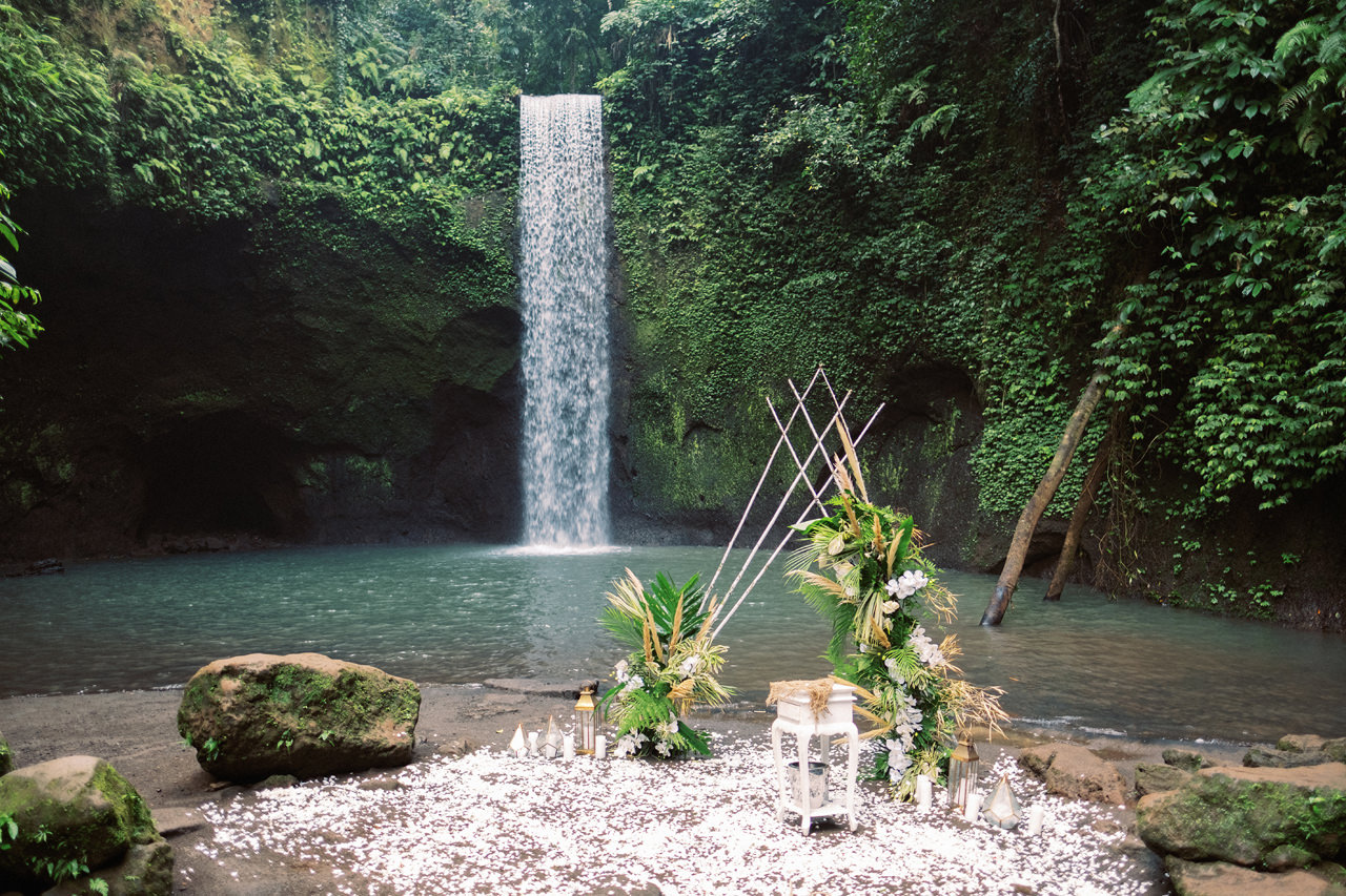 E&D: Tibumana Waterfall Bali Elopement 10