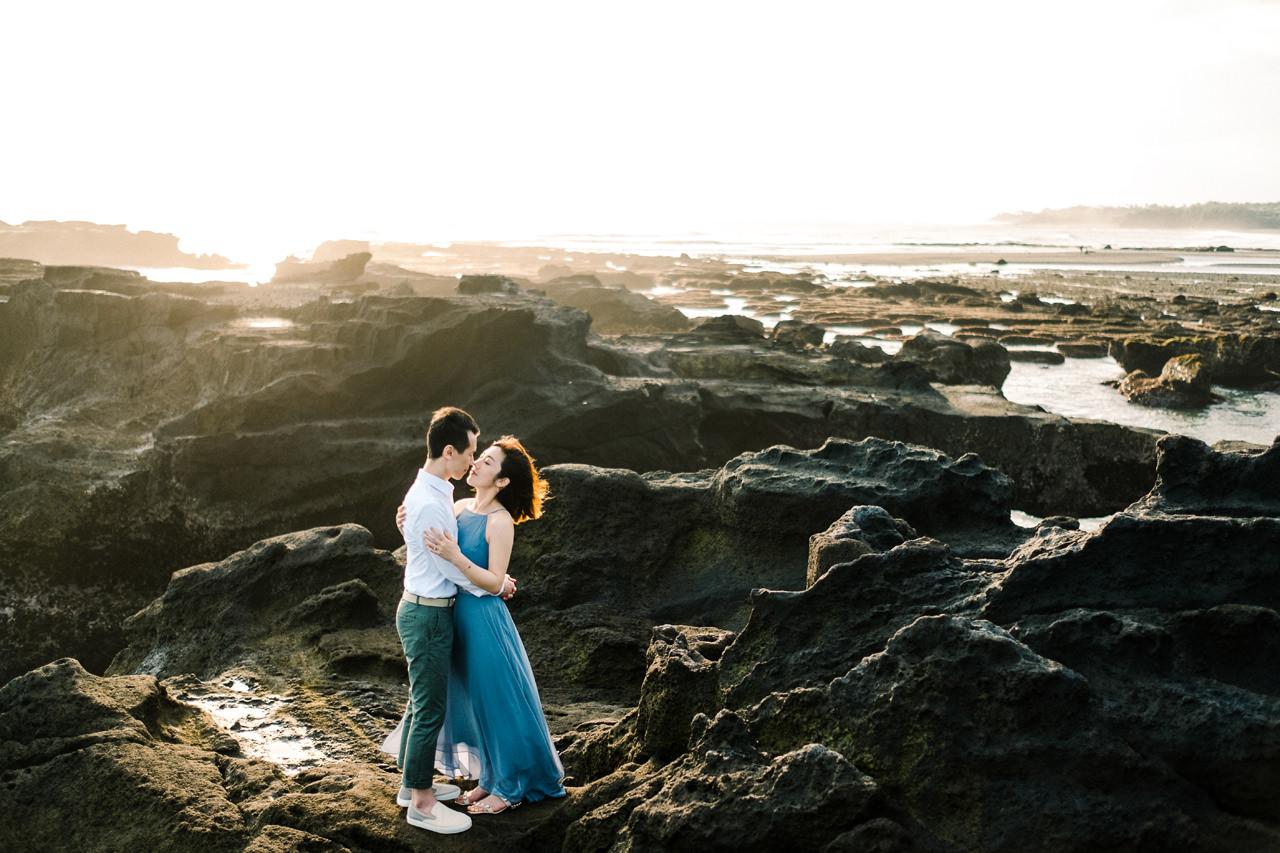 E&P: Sunset in Canggu Bali Engagement Photography 10