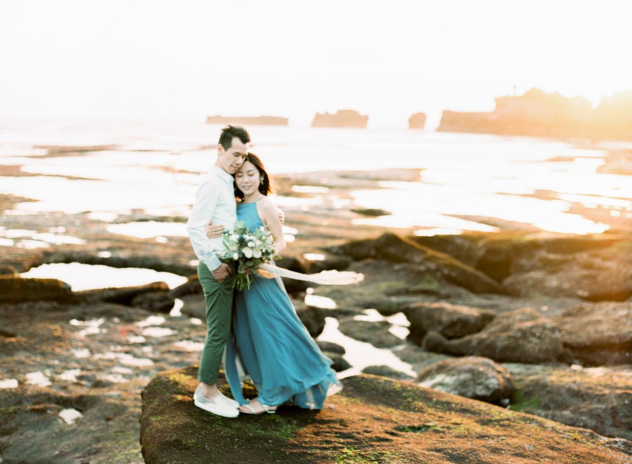 E&P: Sunset in Canggu Bali Engagement Photography 17