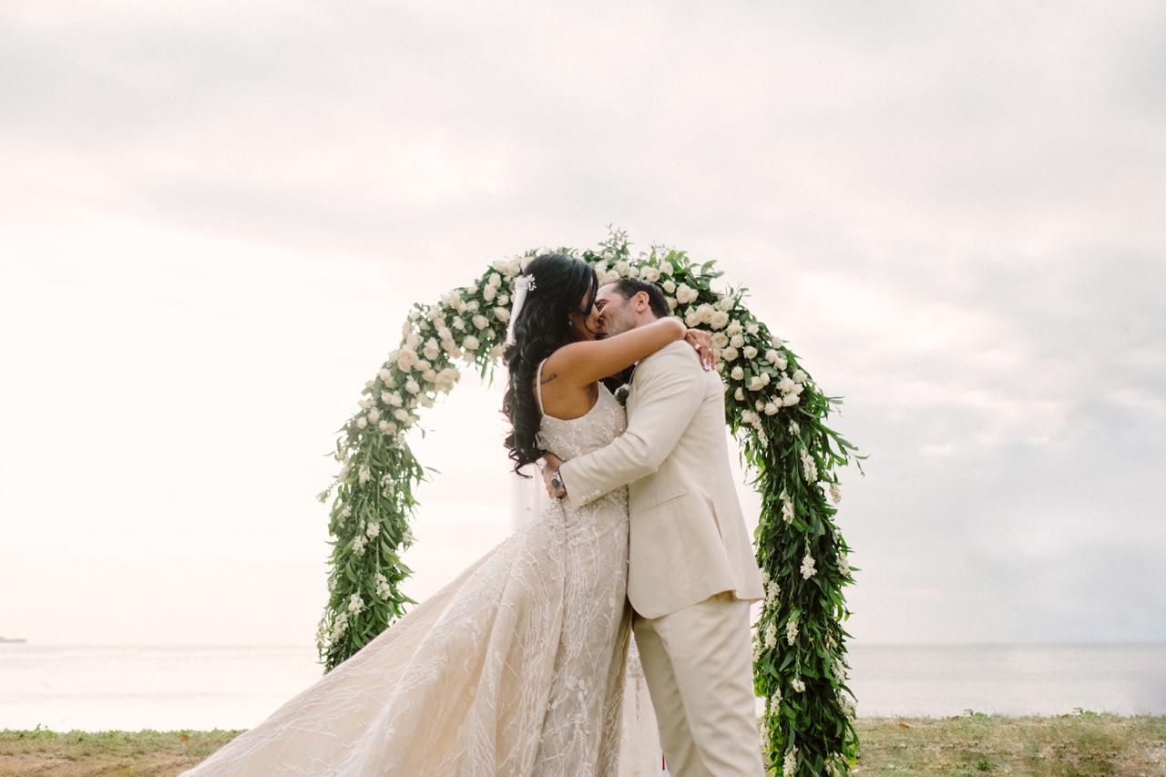 E&T: Beachside Multicultural Bali Wedding Photography 33