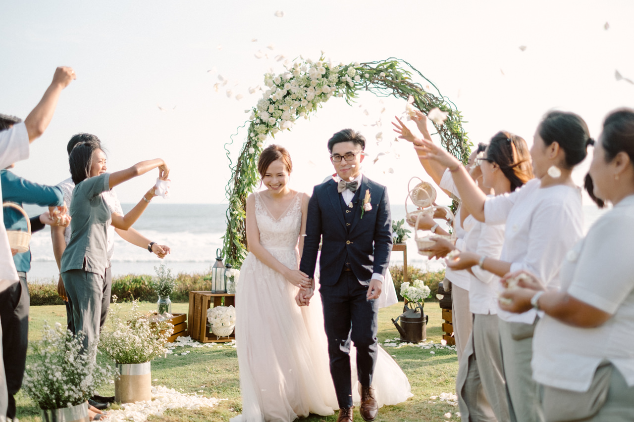 E&W: Oceanside Elopement Photography at Soori Bali 11