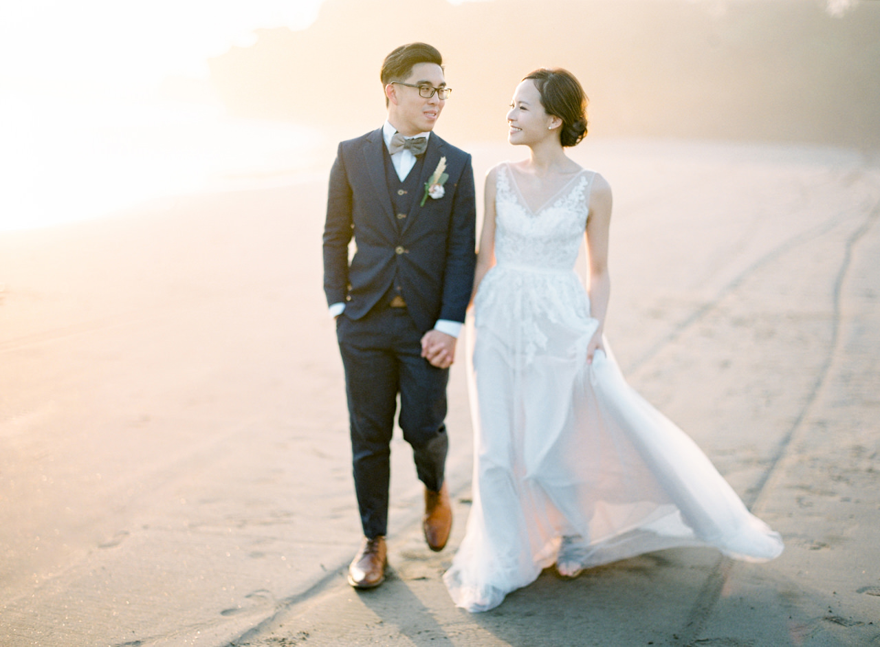 E&W: Oceanside Elopement Photography at Soori Bali 20
