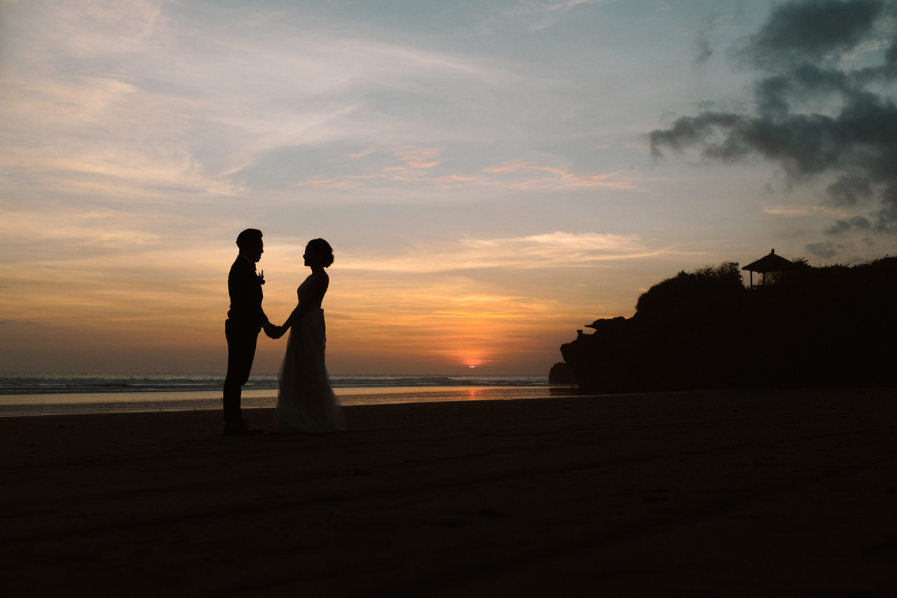 E&W: Oceanside Elopement Photography at Soori Bali 24
