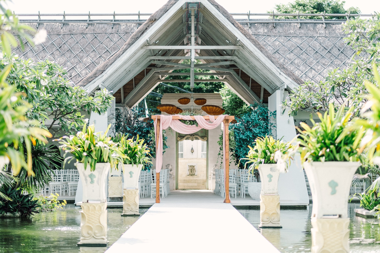 E&Z: A Beach Inspired Bali Destination Wedding in Jimbaran Bay 13