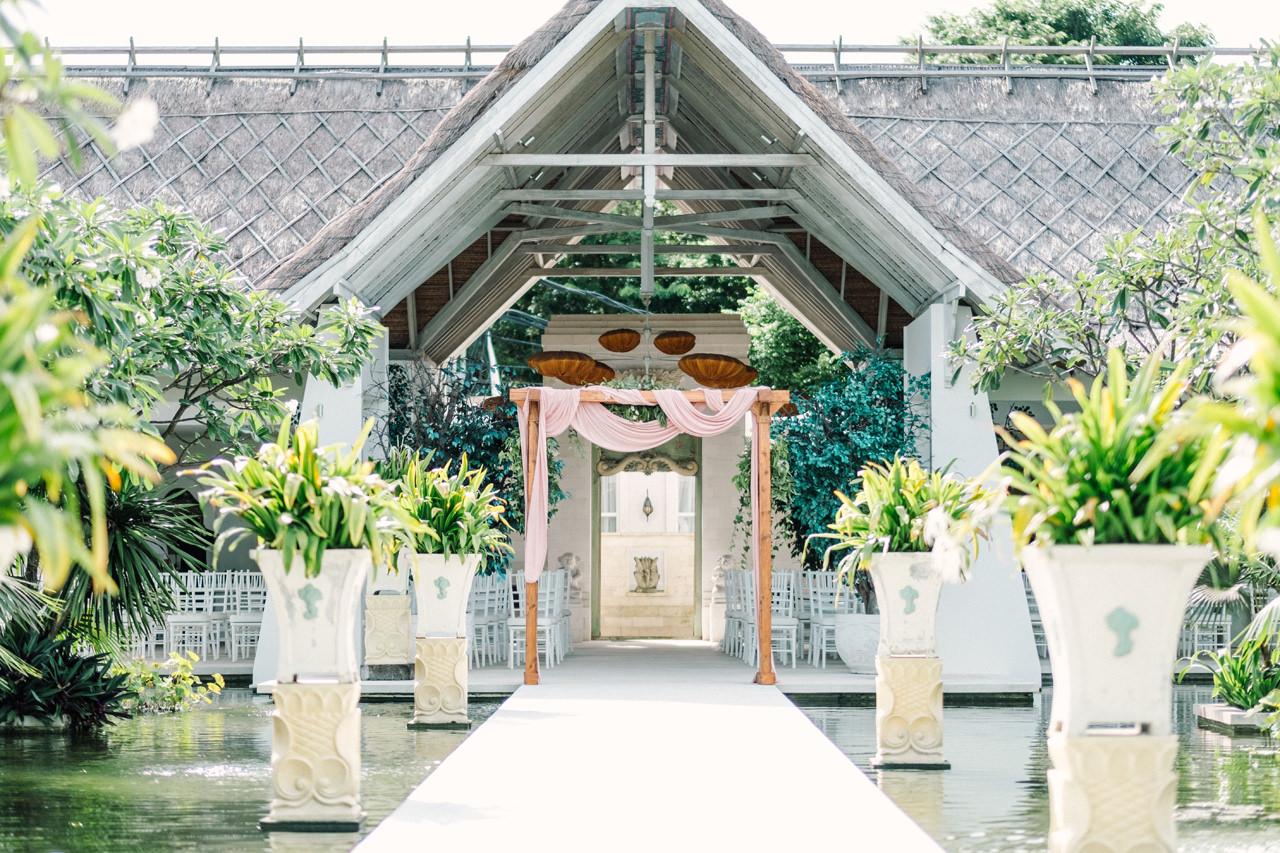 E&Z: A Beach Inspired Bali Destination Wedding in Jimbaran Bay 13