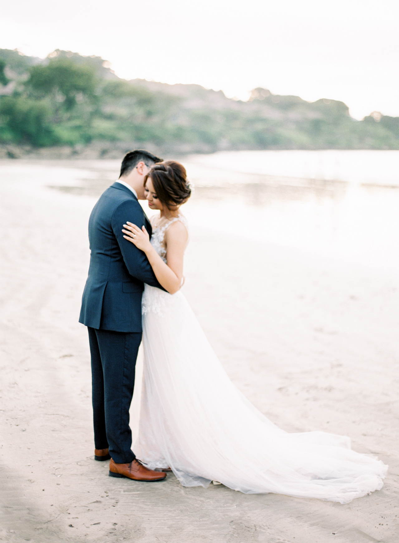 E&Z: A Beach Inspired Bali Destination Wedding in Jimbaran Bay 37