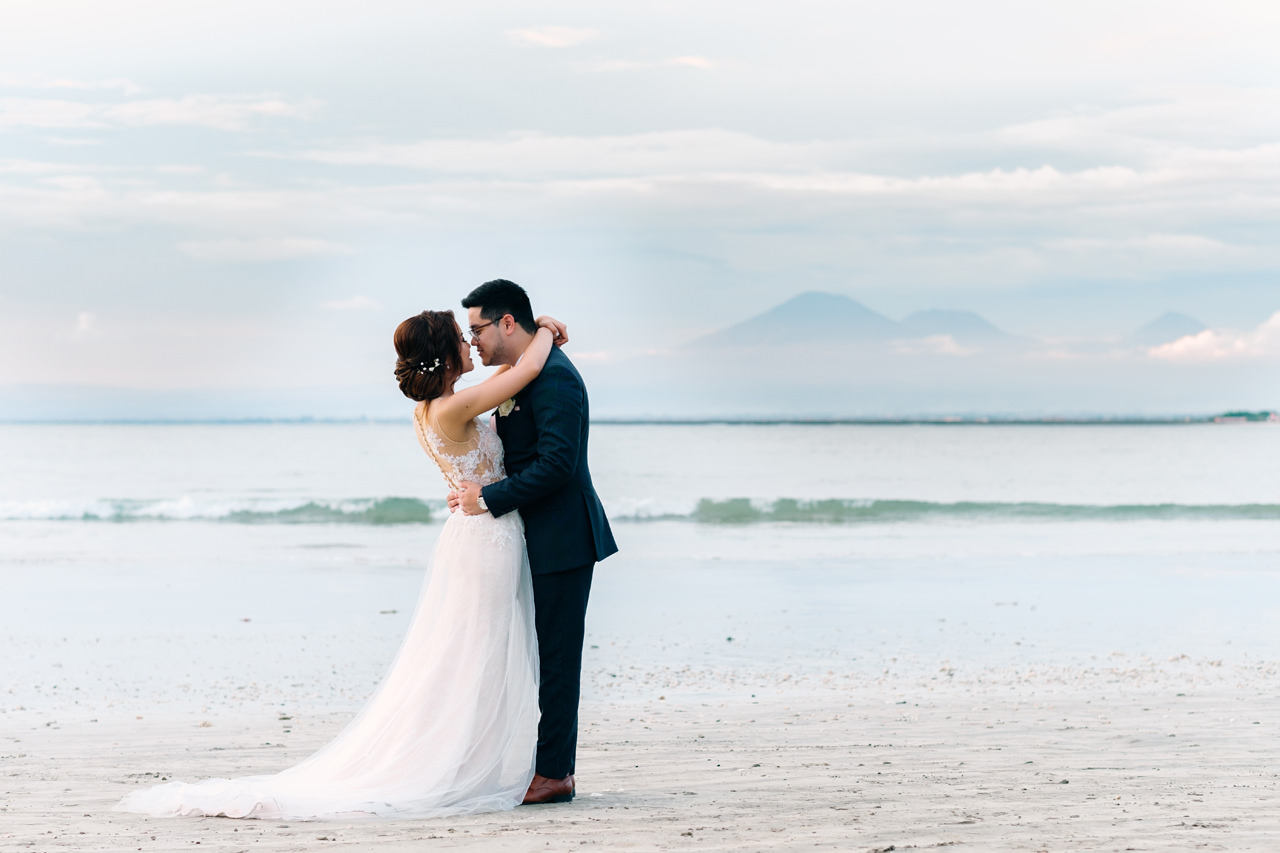 E&Z: A Beach Inspired Bali Destination Wedding in Jimbaran Bay 39
