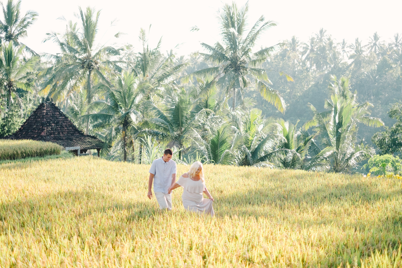 F&T: White on Green Dreamy Rice Fields Engagement Photos 5