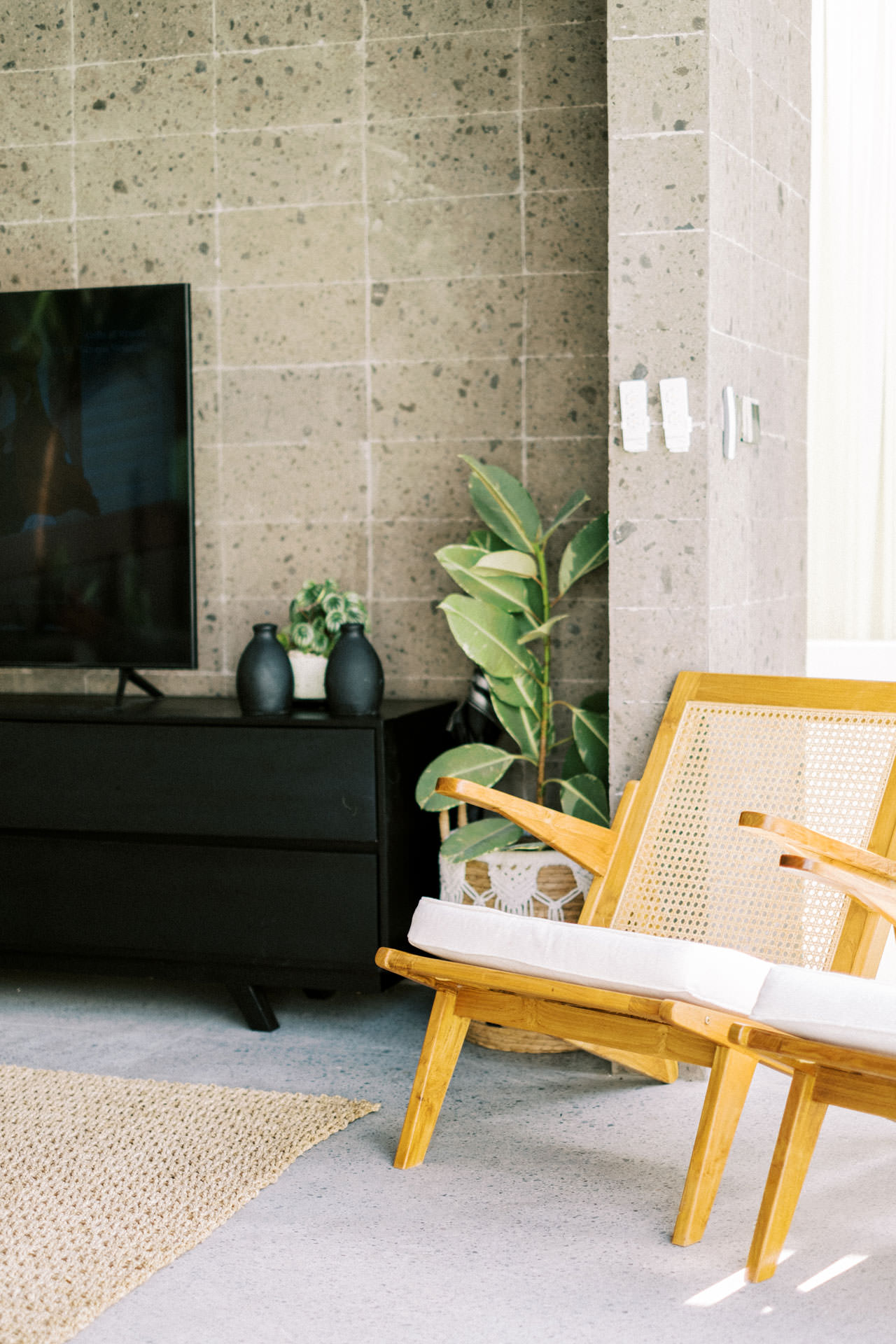 Indoor Photo Session with Modern Bali Interiors 8
