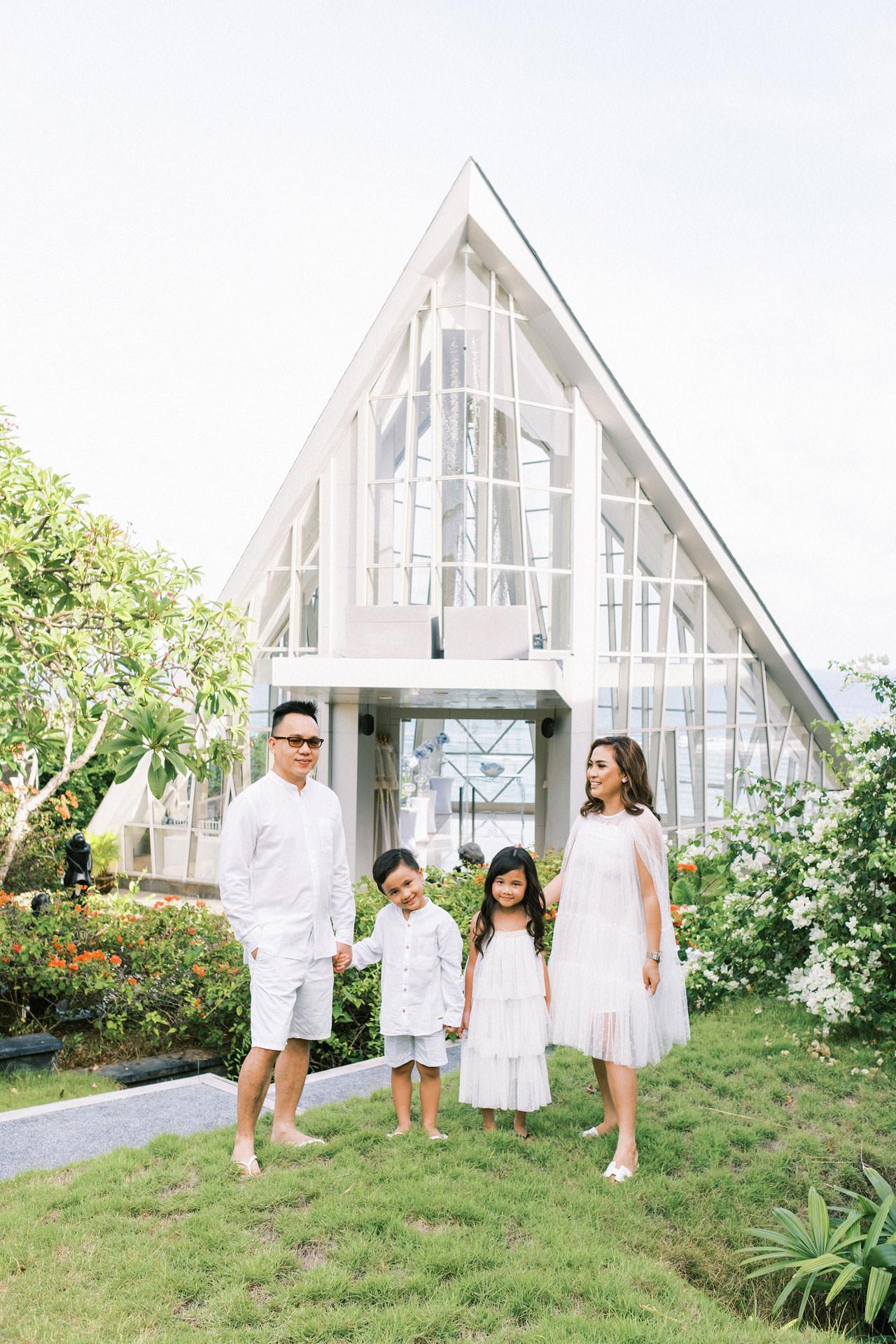 Samabe Bali Outdoor Family Photo 2