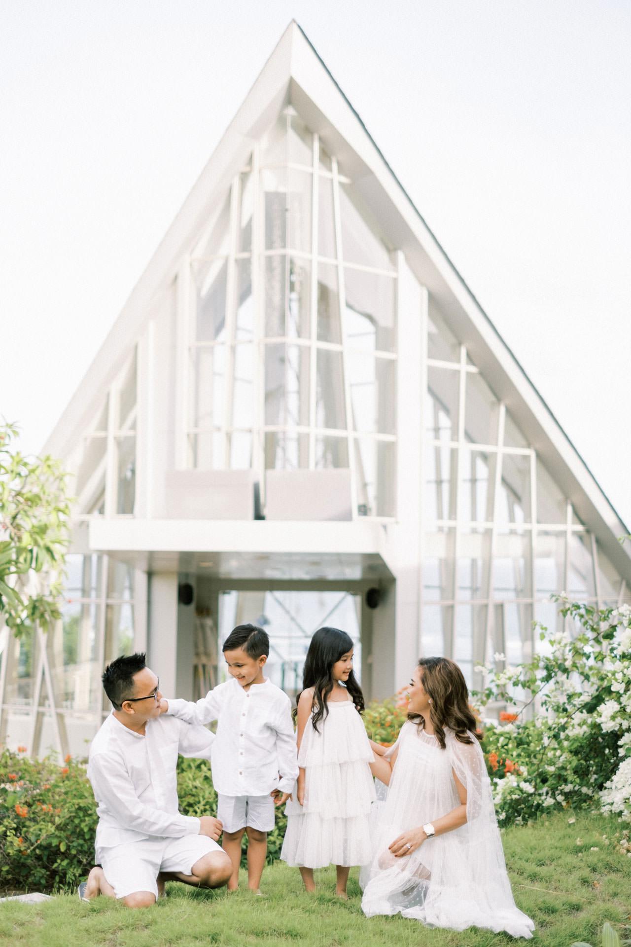 Samabe Bali Outdoor Family Photo 3