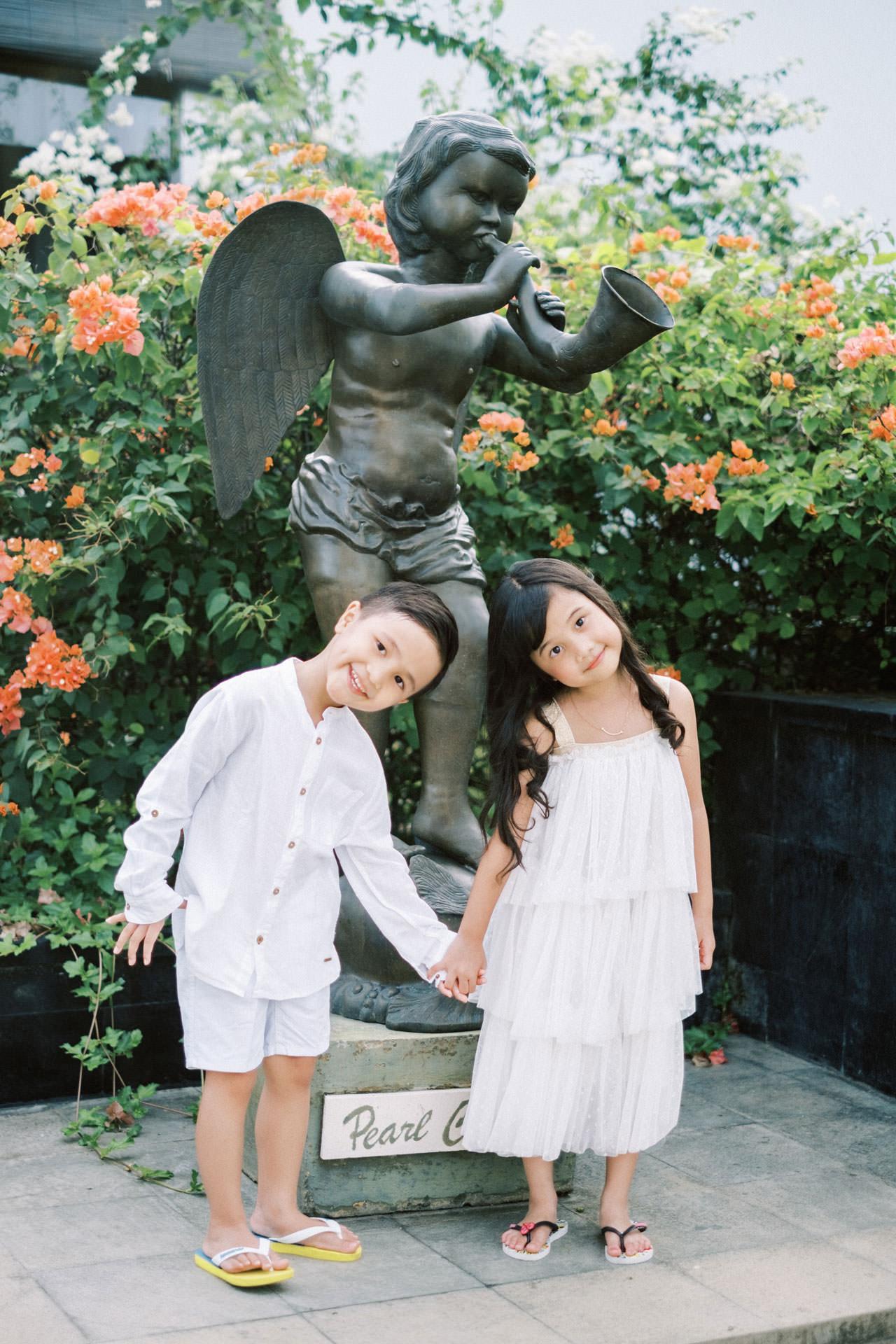 Samabe Bali Outdoor Family Photo 4