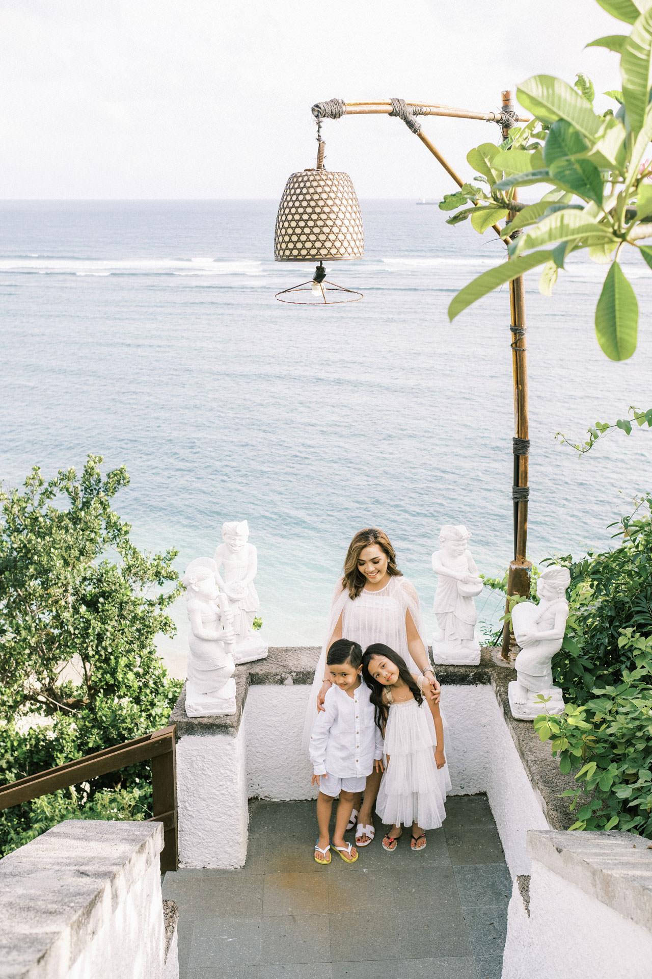 Samabe Bali Outdoor Family Photo 6