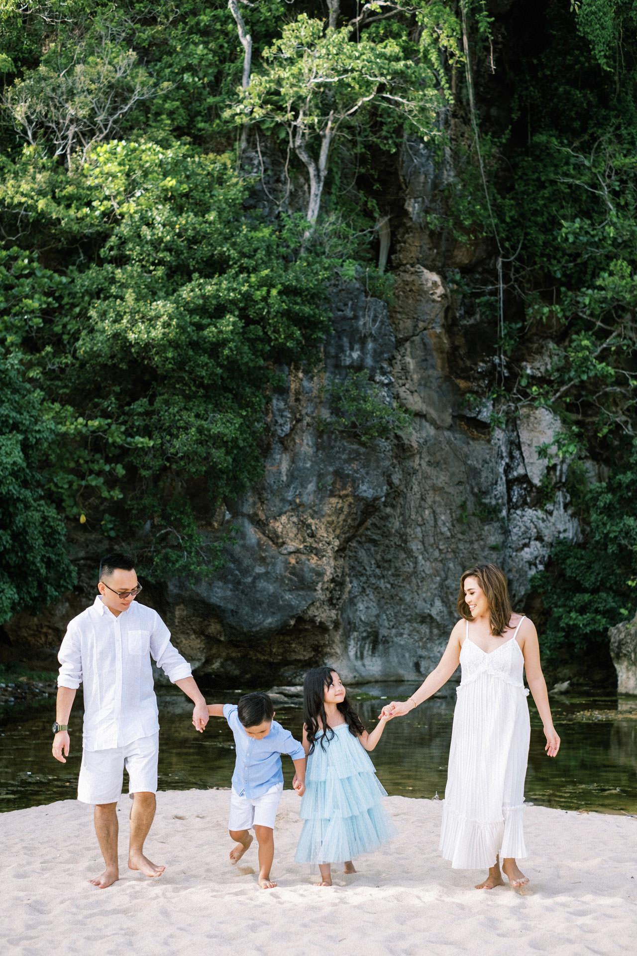 Samabe Bali Outdoor Family Photo 9