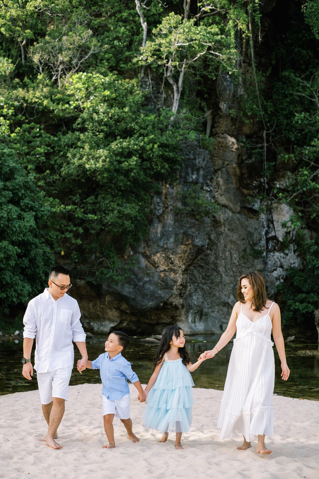 Samabe Bali Outdoor Family Photo 10