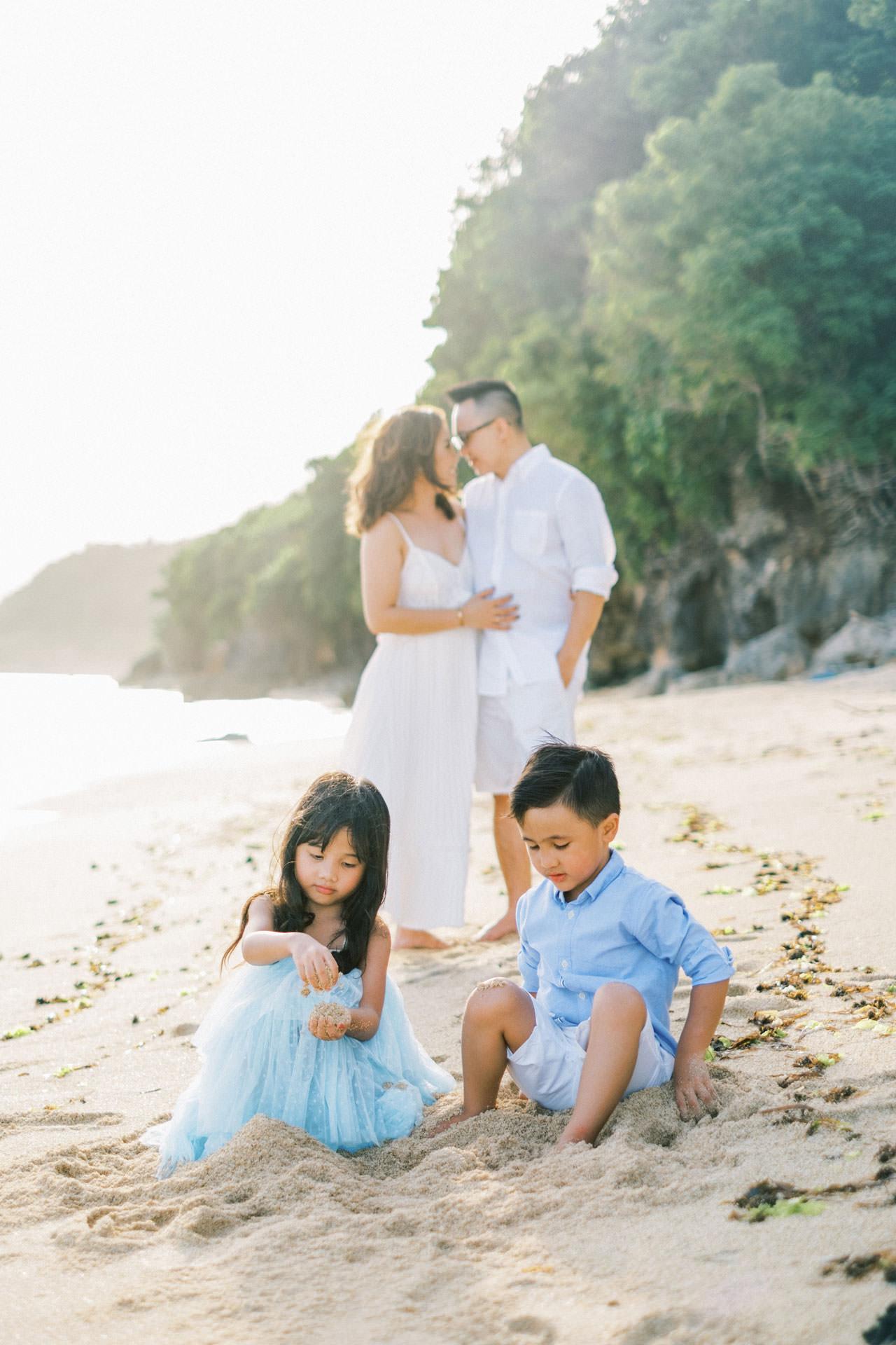 Samabe Bali Outdoor Family Photo 18
