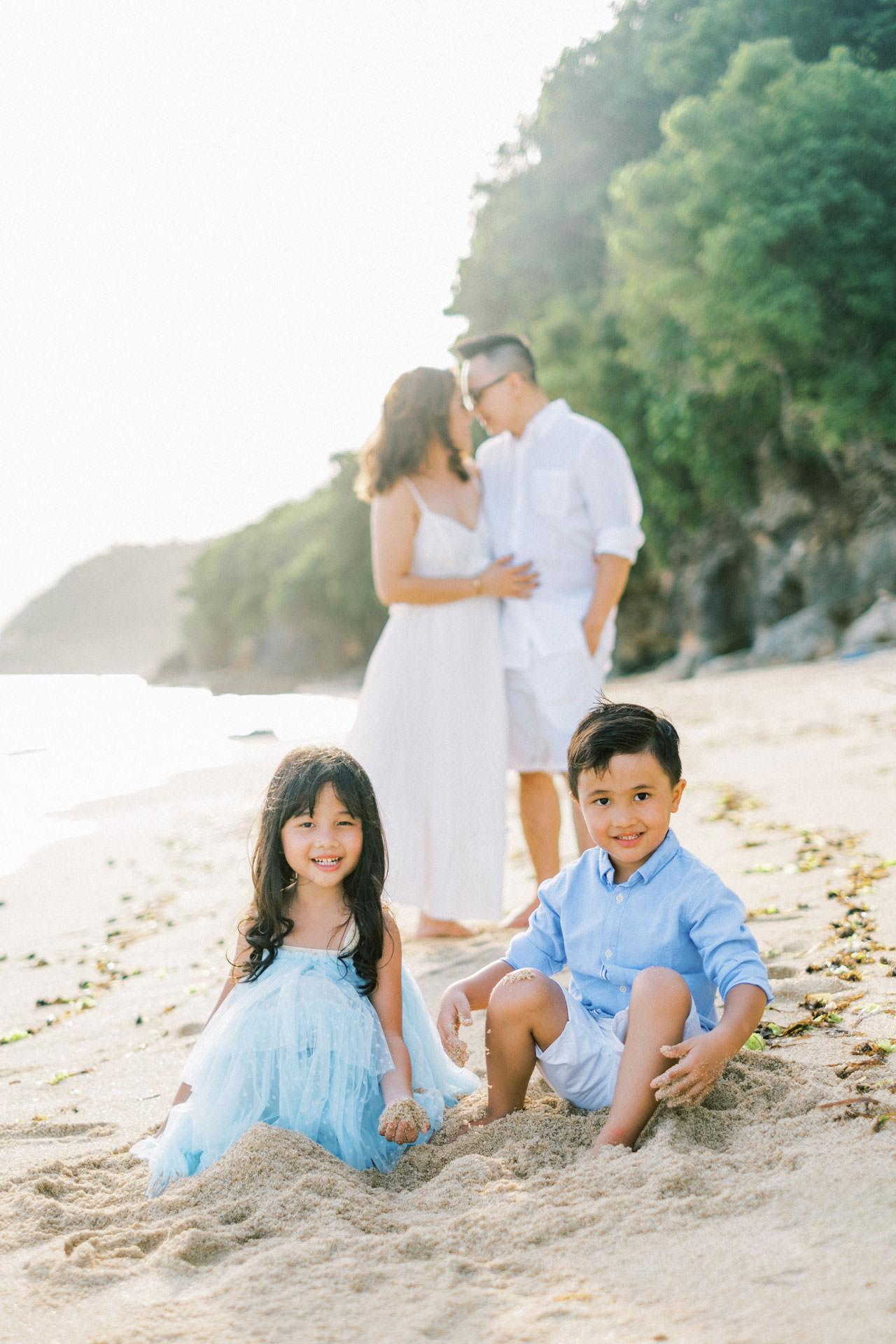 Samabe Bali Outdoor Family Photo 19