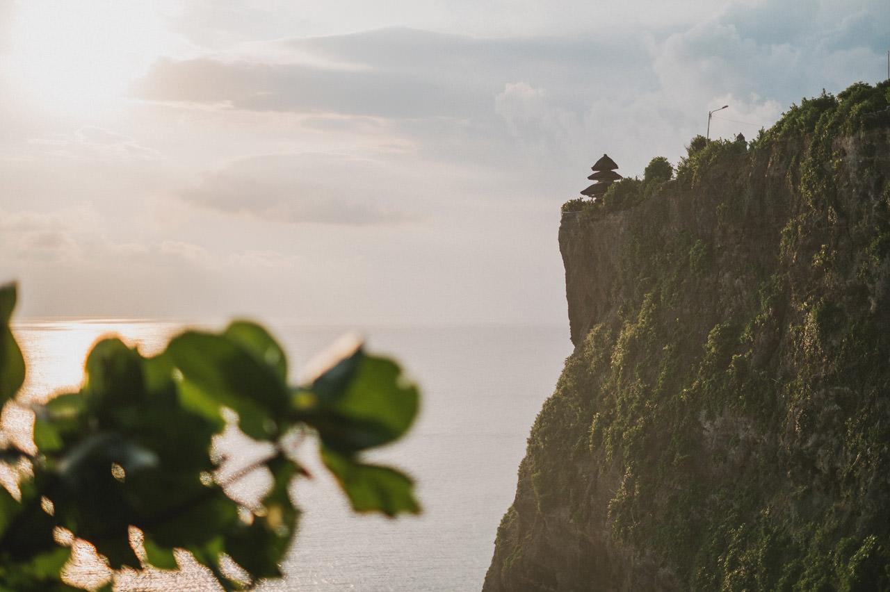 Hannah & Chester: Honeymoon Photography at Uluwatu Beach 7