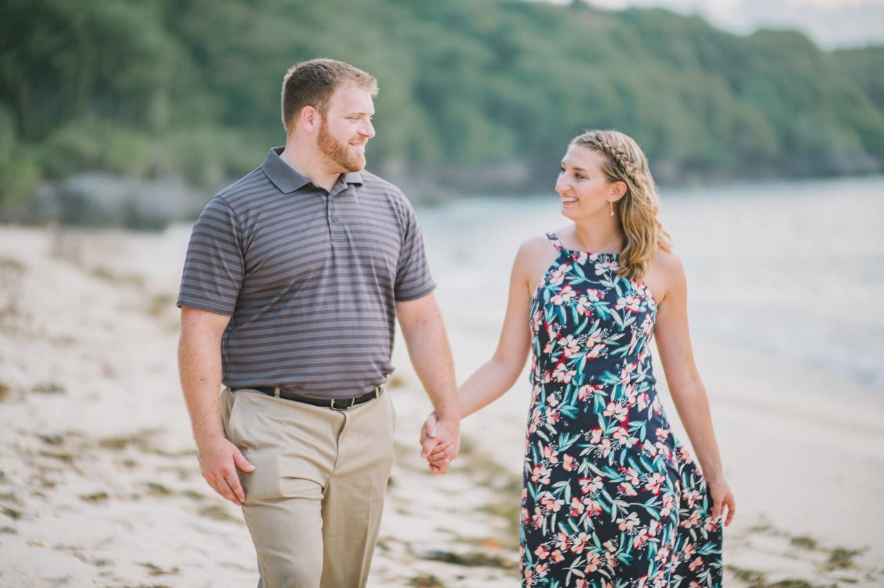 Hannah & Chester: Honeymoon Photography at Uluwatu Beach 14