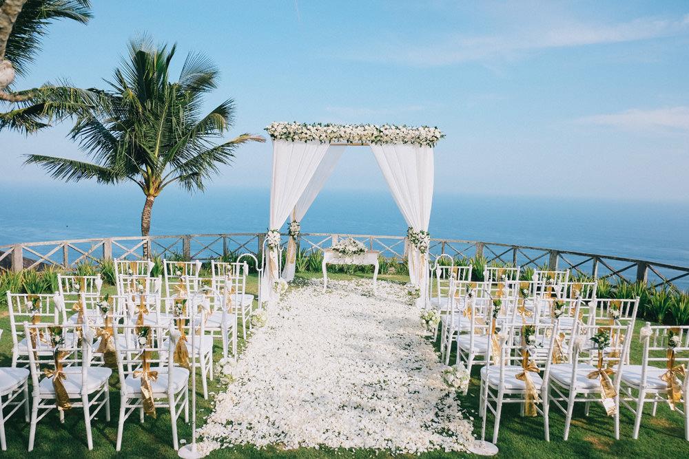 H&L Destination Wedding at Khayangan Estate 31