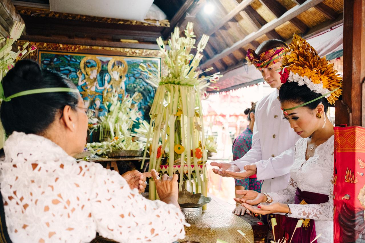 I&V: Balinese Traditional Wedding Ceremony 16