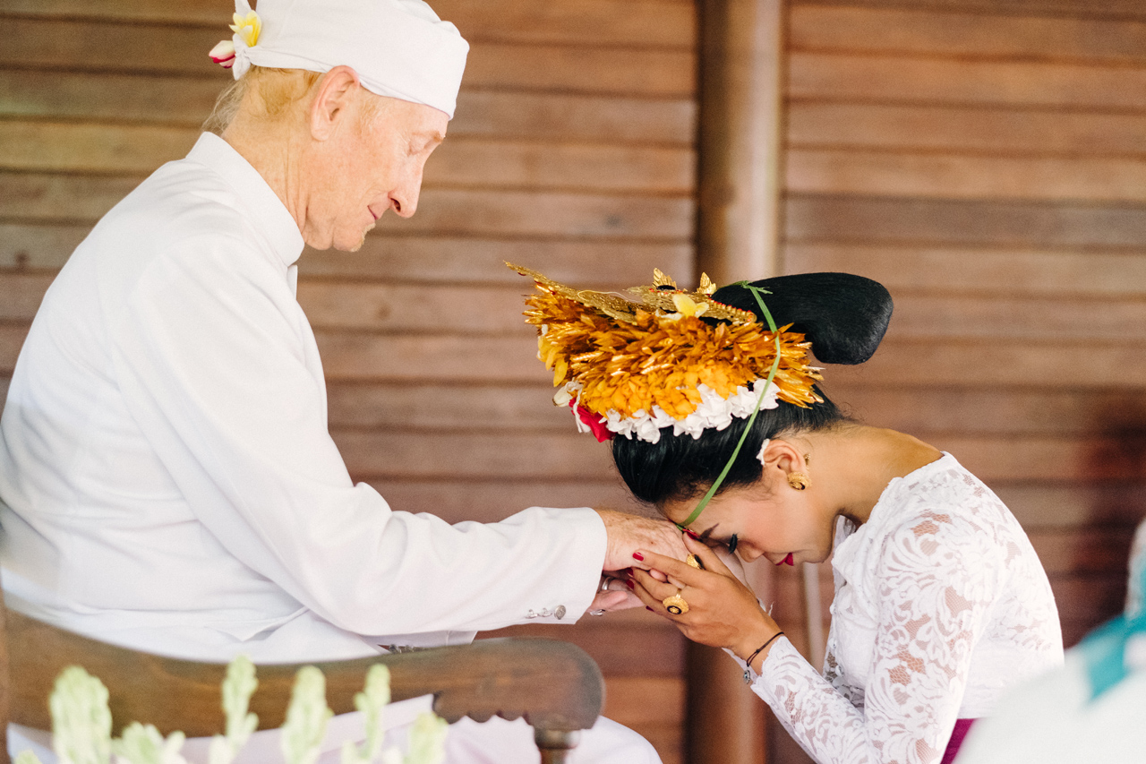I&V: Balinese Traditional Wedding Ceremony 18