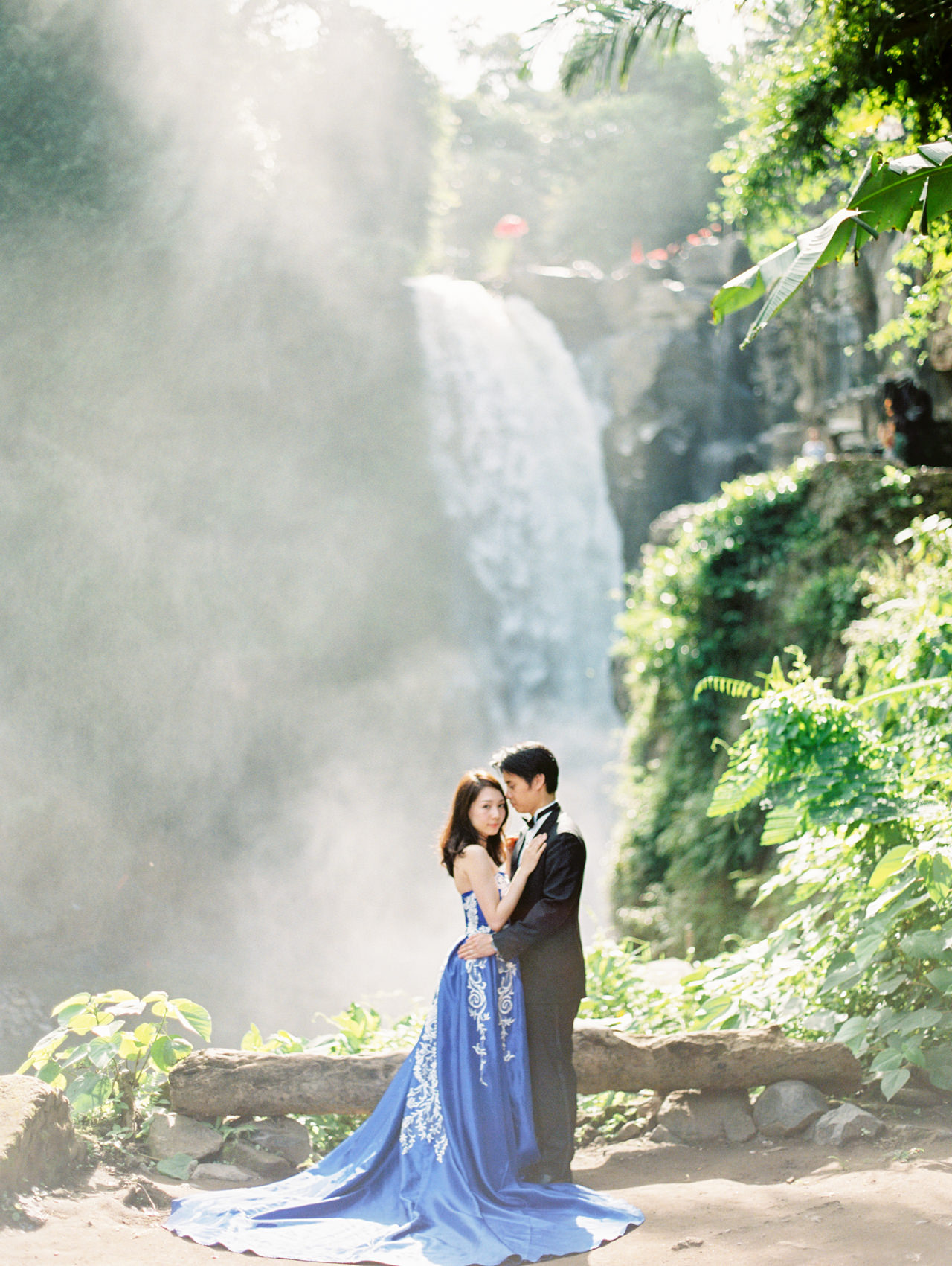An Elegant Ubud Post Wedding Photo Session 14