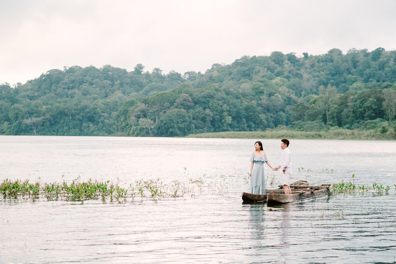 L&D: Bali Post-Wedding Photography at Tamblingan Lake 3