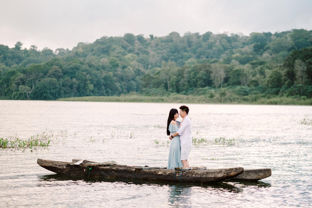 L&D: Bali Post-Wedding Photography at Tamblingan Lake 4