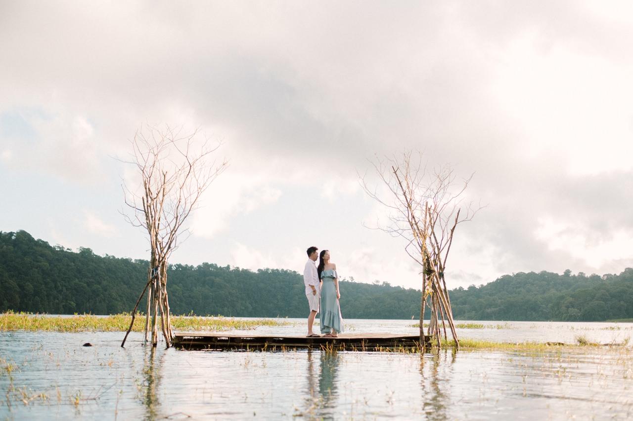 L&D: Bali Post-Wedding Photography at Tamblingan Lake 8