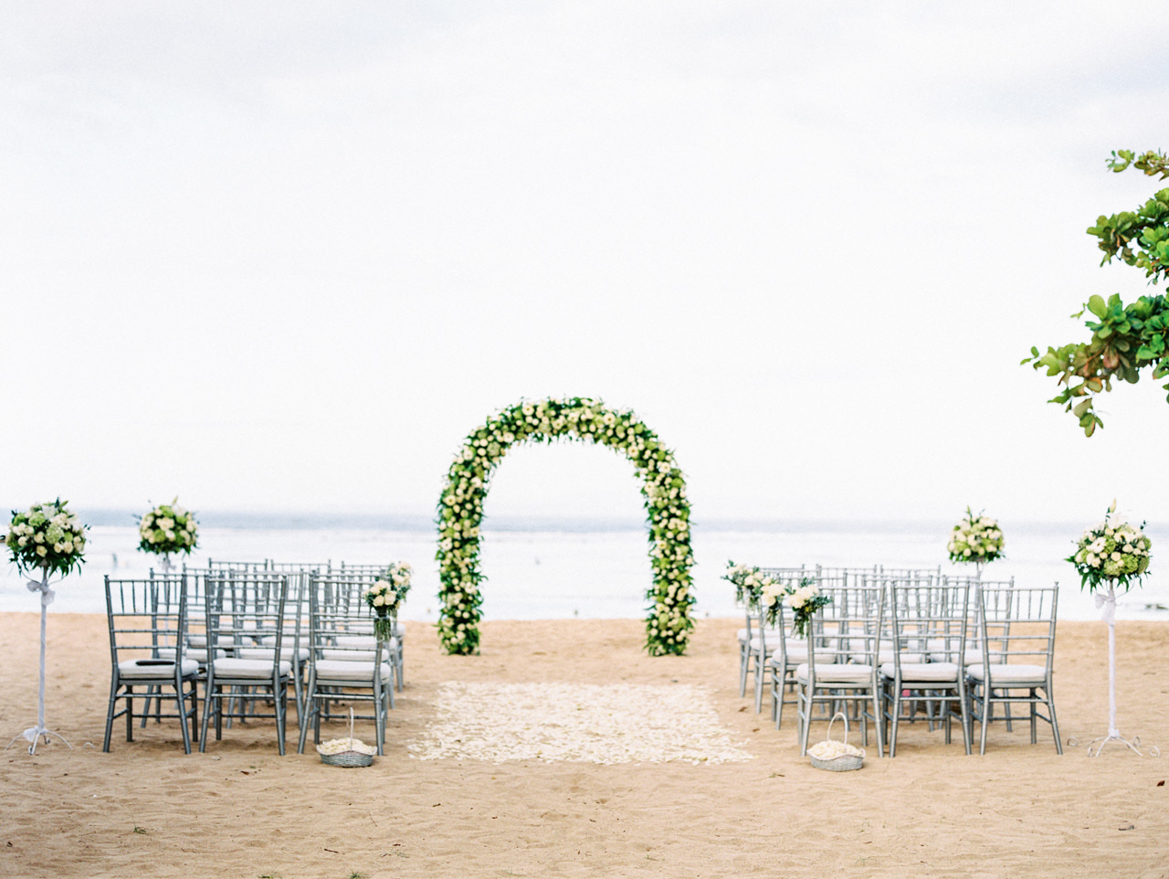 L&E: Beachside Sofitel Bali Wedding 21