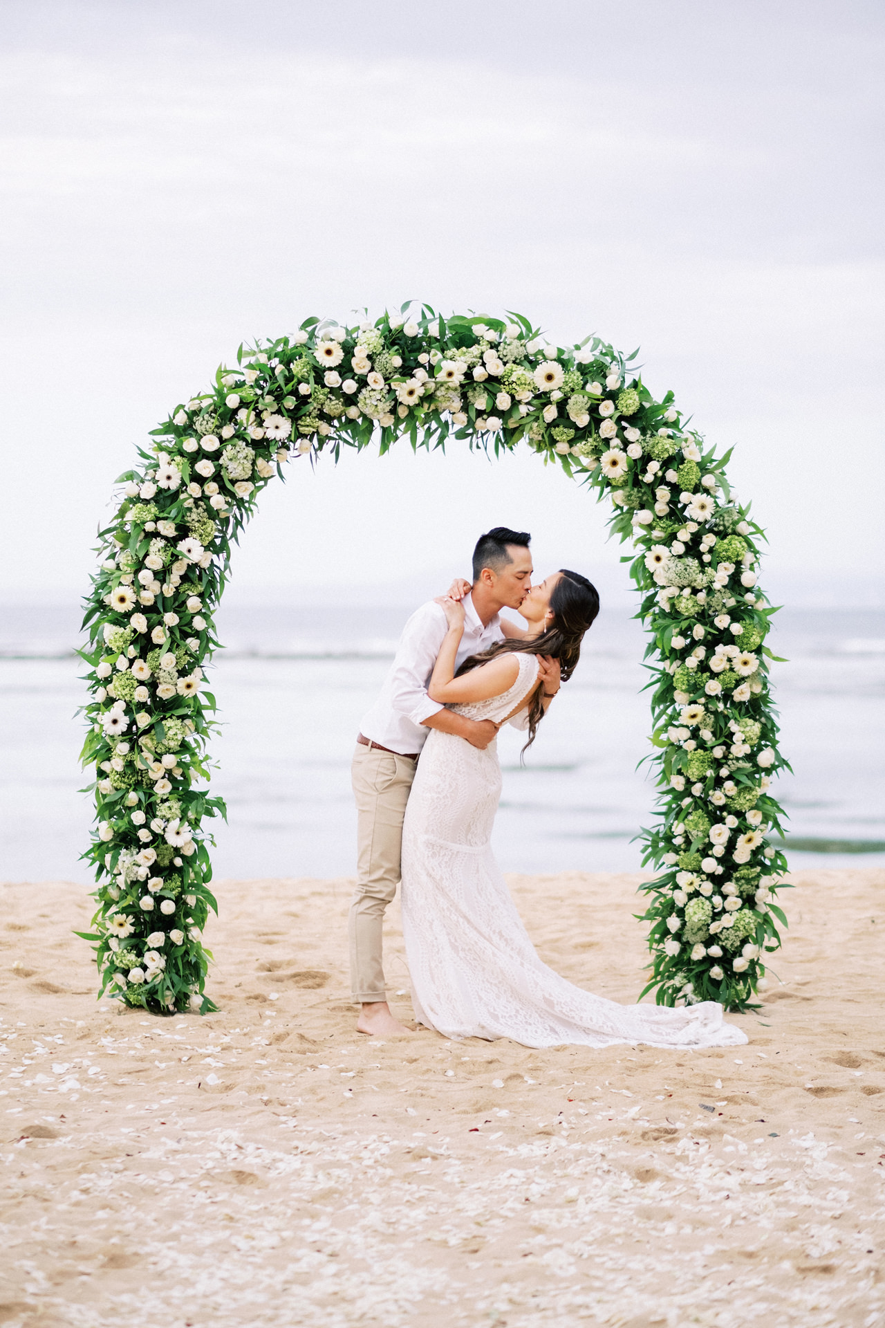 L&E: Beachside Sofitel Bali Wedding 40