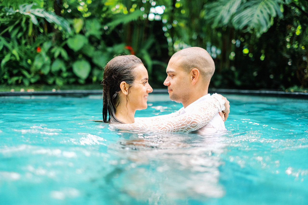 J&L: Intimate Ubud Post Wedding Photography Capture by Team 14
