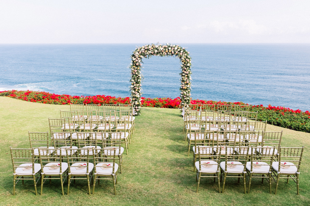 A&M: Light and Airy Wedding at The Ungasan 35