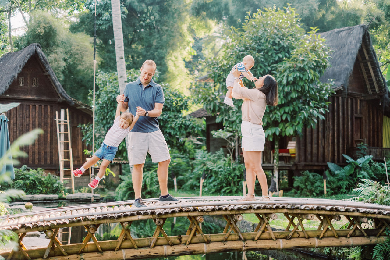 T&P: Bali Family Portrait at Bambu Indah Resort 9
