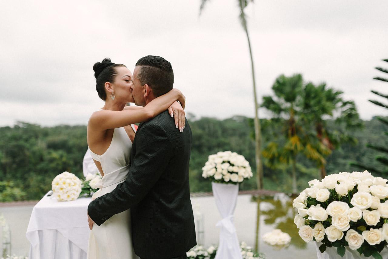 Mariah & Dave: Bali Wedding at Kupu-Kupu Barong Ubud 28